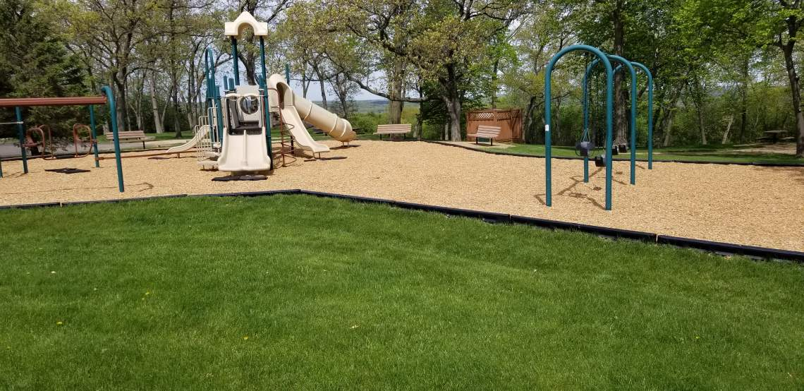 12-playground-mulch-vs-sand