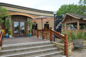 Hudson, WI Restaurants with a Patio