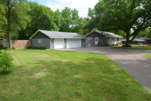 Minnetonka MN - One Level Rambler with Pool for Sale!